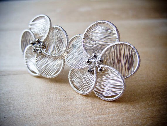 Wire jewelry tutorial from de Cor's