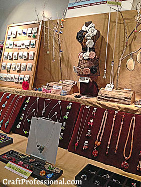 Natural jewelry display