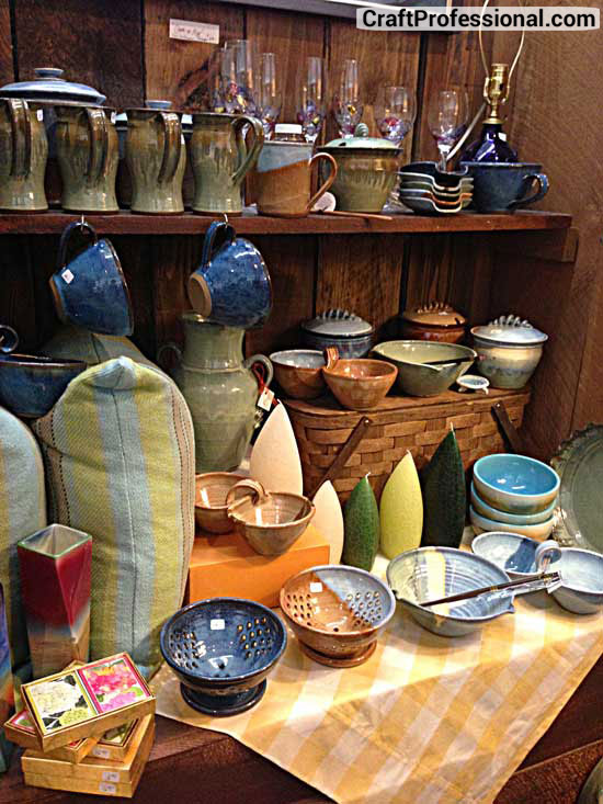 Study retail store displays for craft booth ideas for Retail shop display ideas