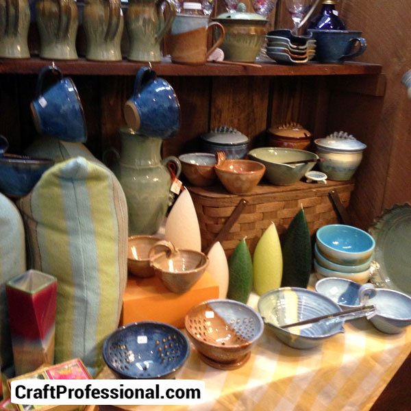 Retail pottery display