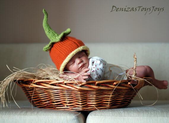 Baby pumpkin hat knitting pattern by Deniza's Toys Joys