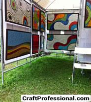 Art on mesh gridwalls