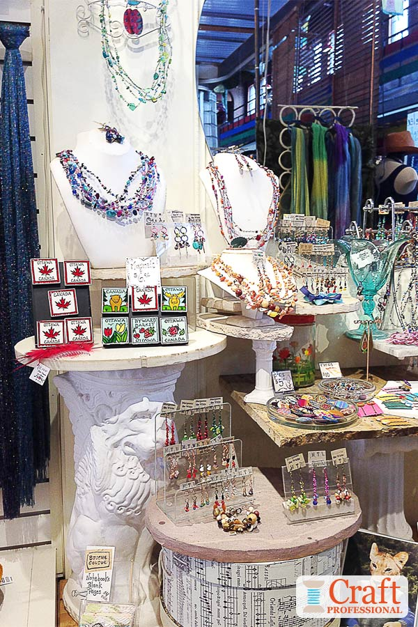 Dazzling Retail Jewelry Displays!