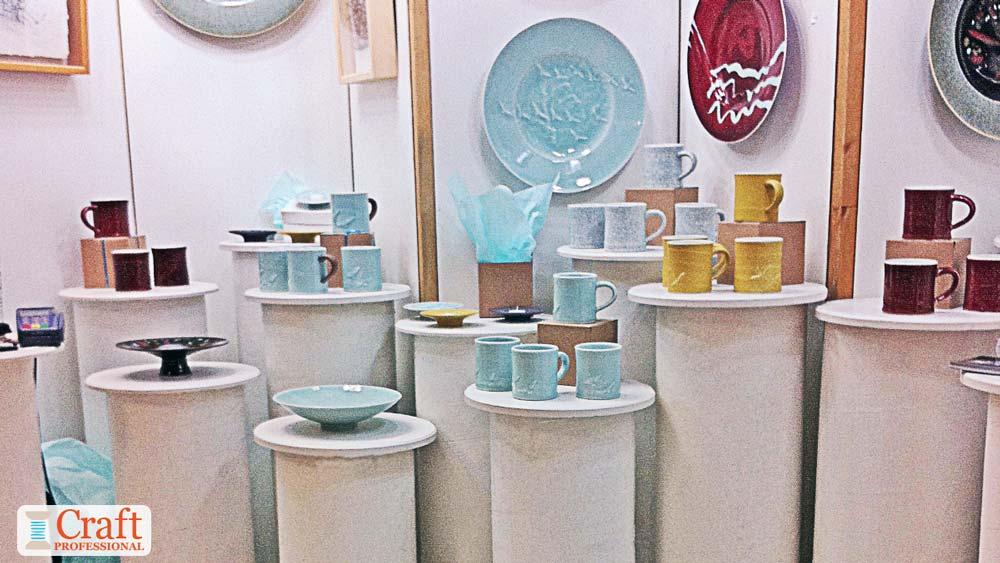 Tableware on display pedestals