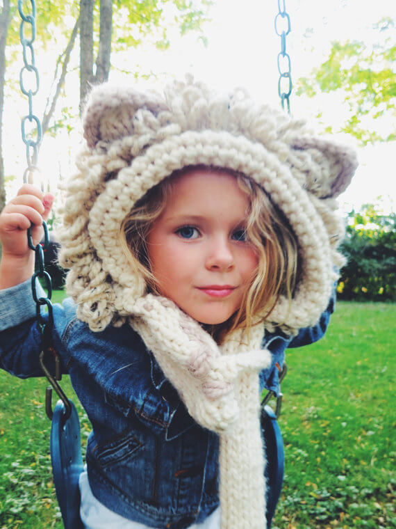 Lion hat knitting pattern from Two of Wands Shop